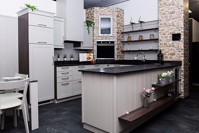 Schmidt Küchen Mikado Lack micron Moderne Landhausküche mit Essplatz